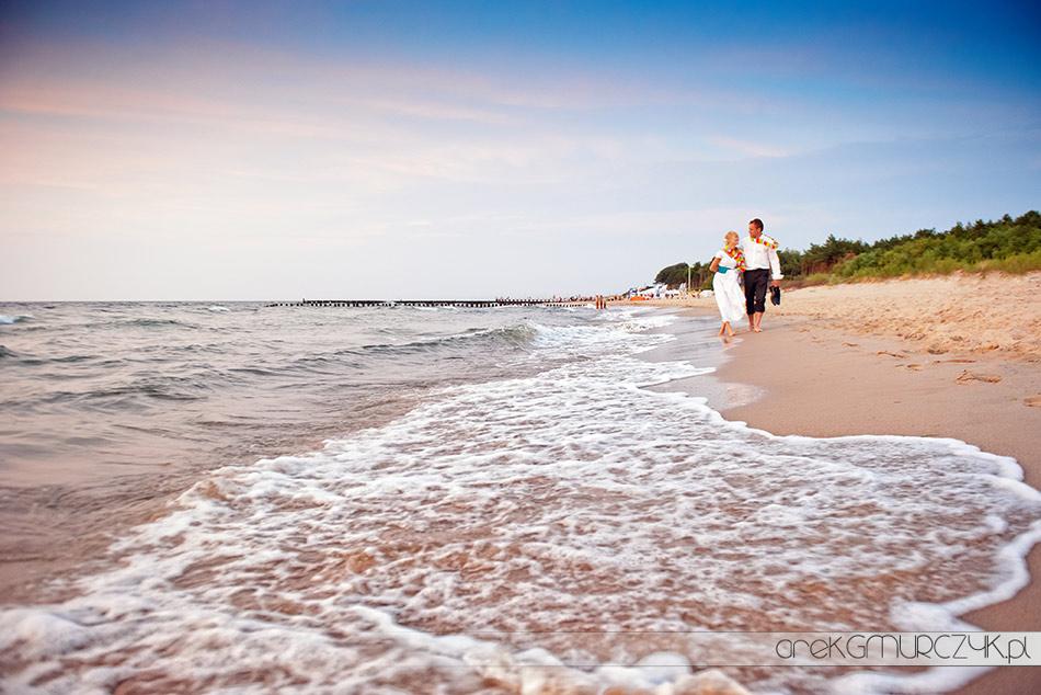 sesja ślubna nad morzem fotografie