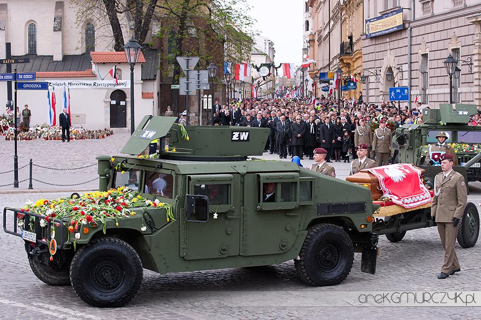 pogrzeb prezydenta lecha kaczynskiego kraków 18 kwiecień 2010