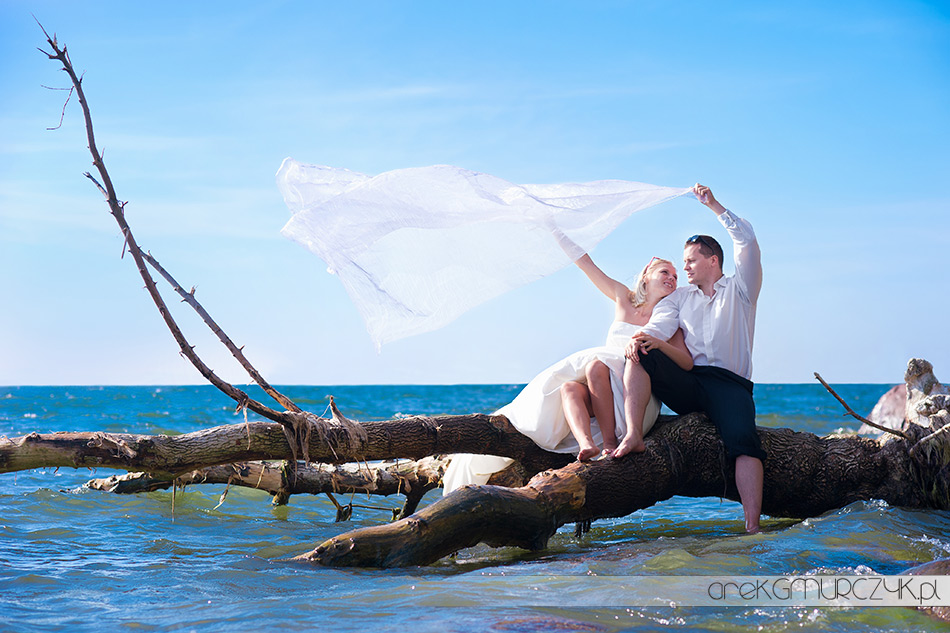 fotografia ślubna sesja nad morzem