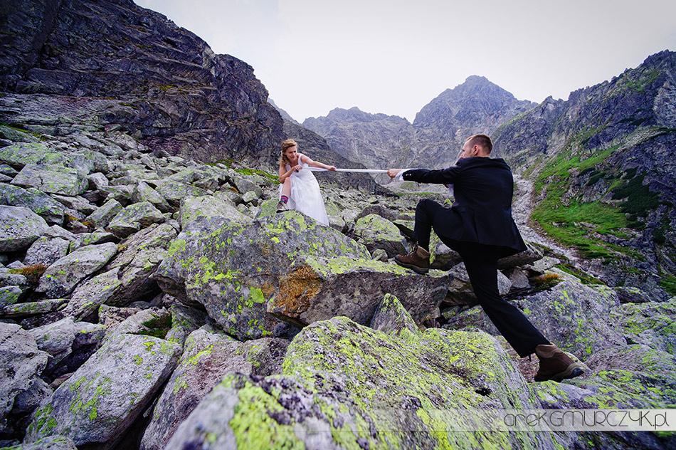 fotografia ślubna, sesja na szlaku na Szpiglasową Przełęcz
