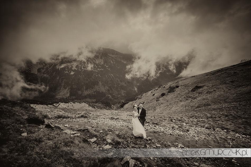 Pochmurna sesja ślubna na Kasprowym