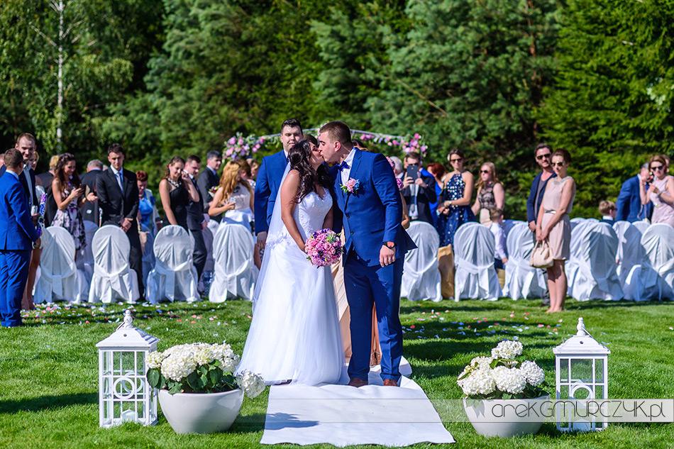 przepiękny ślub w plenerze