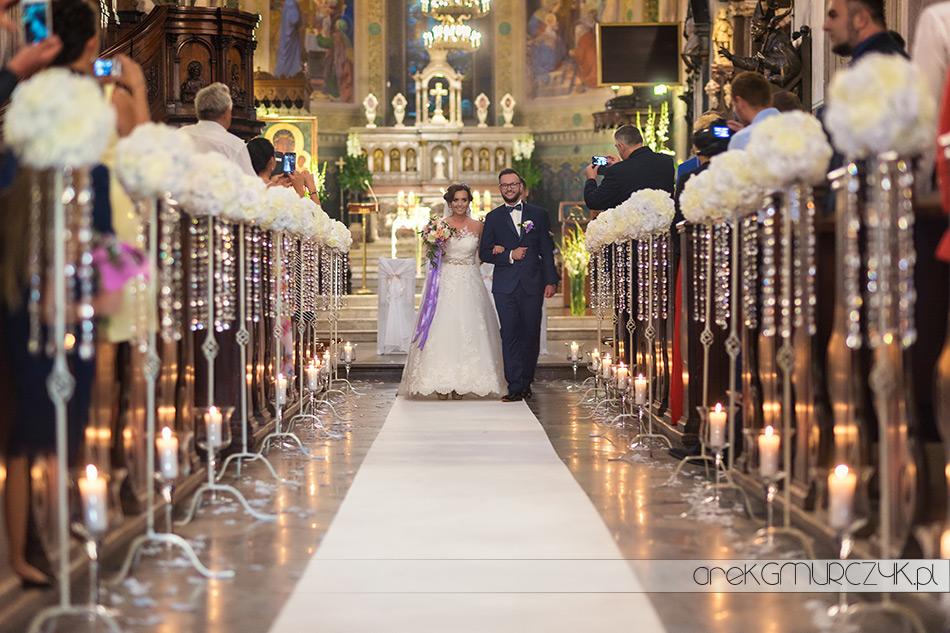 Katedra Plock-wnętrze kościoła podczas ślubu