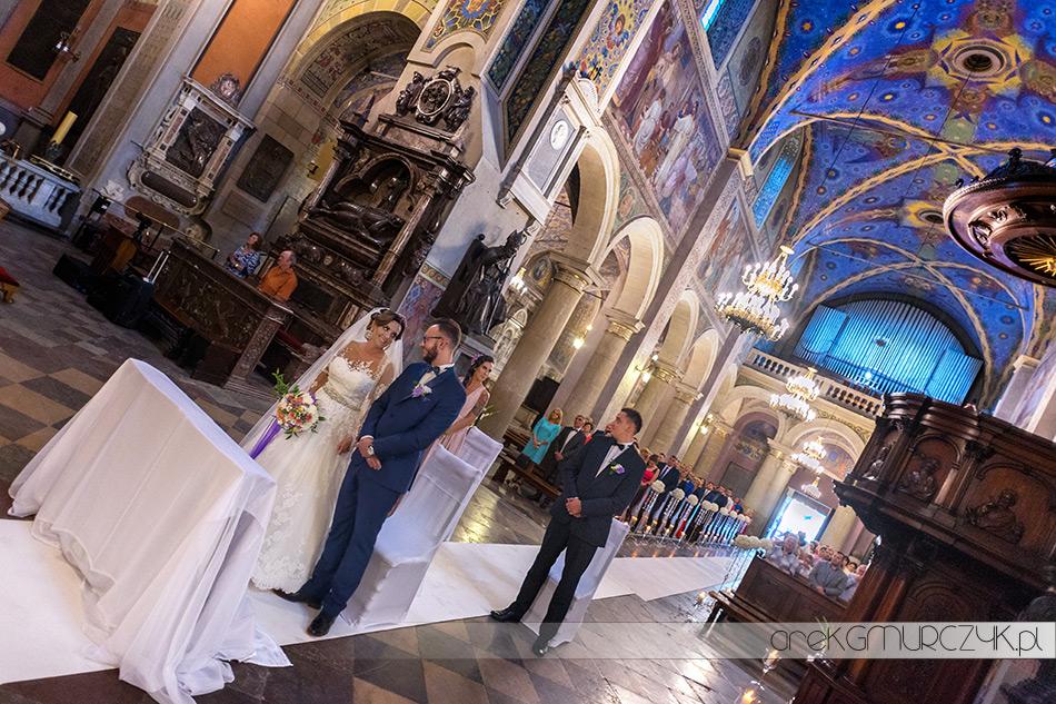 zdjęcia ze ślubu w płockiej Katedrze