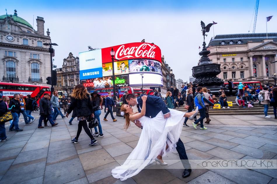 piccadilly circus Londyn sesja ślubna w plenerze