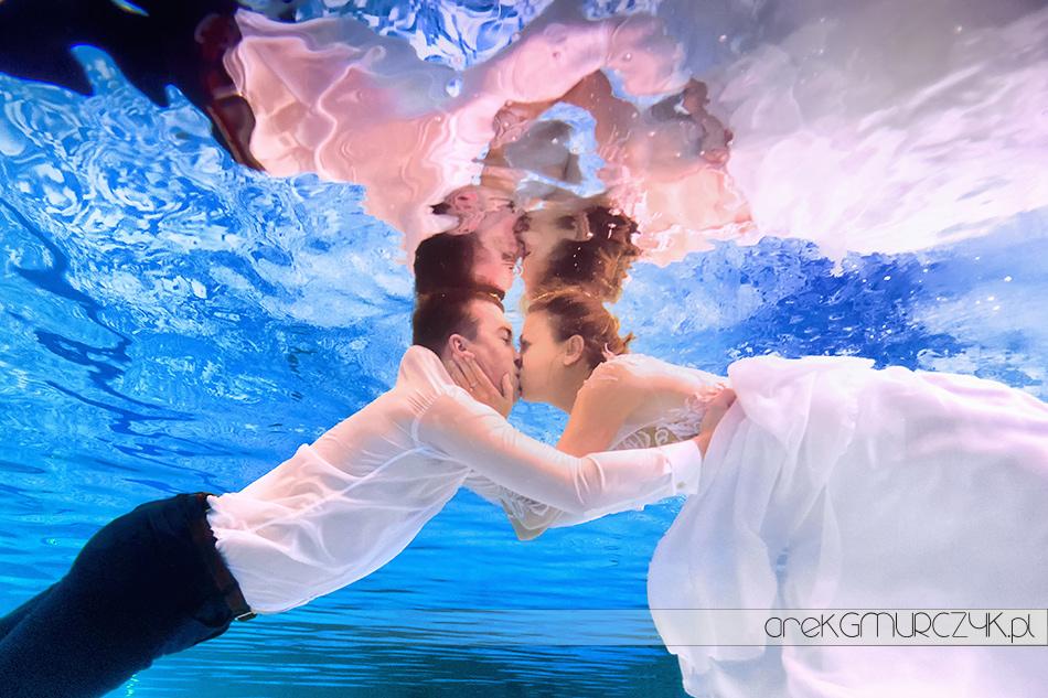 sesja slubna pod woda